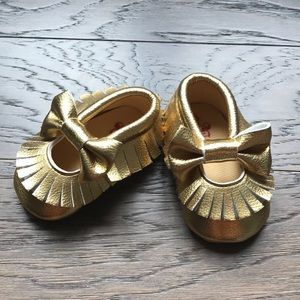 Other - Like-new Gold Moccasins
